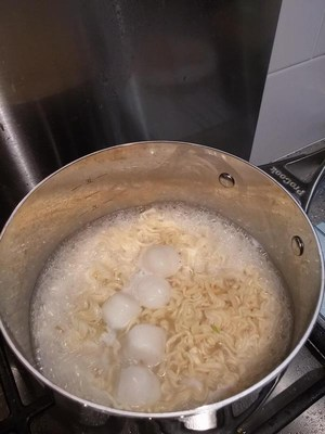 Boiling Fish Balls (White Curry Noodles)